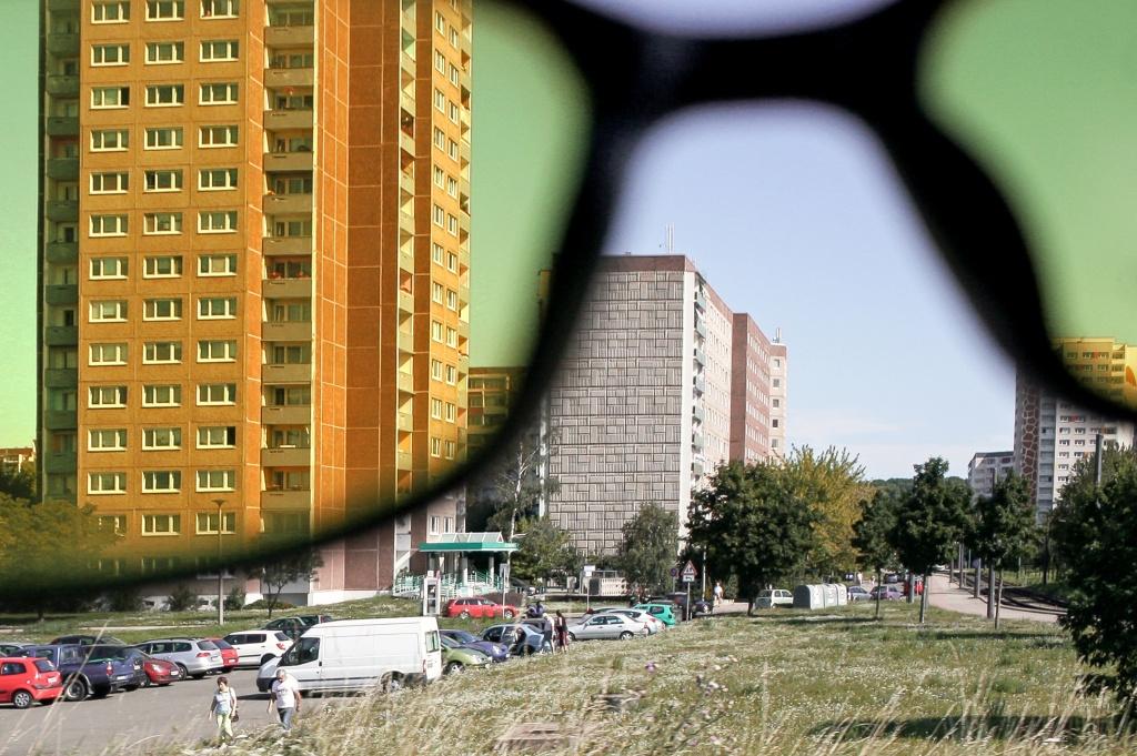 Brille filtert den Anteile des blauen Lichts